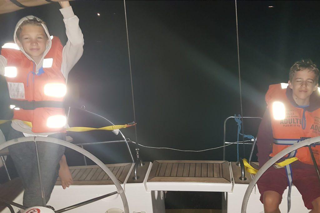 nocna przygoda na wodzie