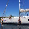 skoki dzieci z jachtu