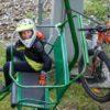 wjazd kolejna chłopca z rowerem